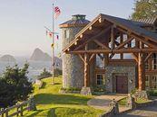 South Oregon Oceanfront Villa with 12 Car Garage a...