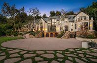 Gene Simmons (KISS Singer Bassist) House is for Sa...