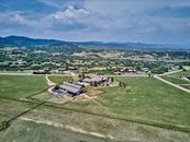 Minutes to I25 & Castle Pines*14 Car Garage*4 Hors...