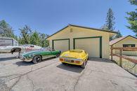 10 Car Garage - A Mechanics Dream Home Property on...