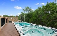 Incredible Garage and Massive Hot Tub in a Texas H...