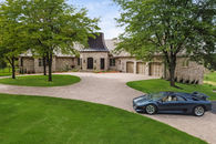 Exquisite European Styled 10+ ac Estate with stabl...